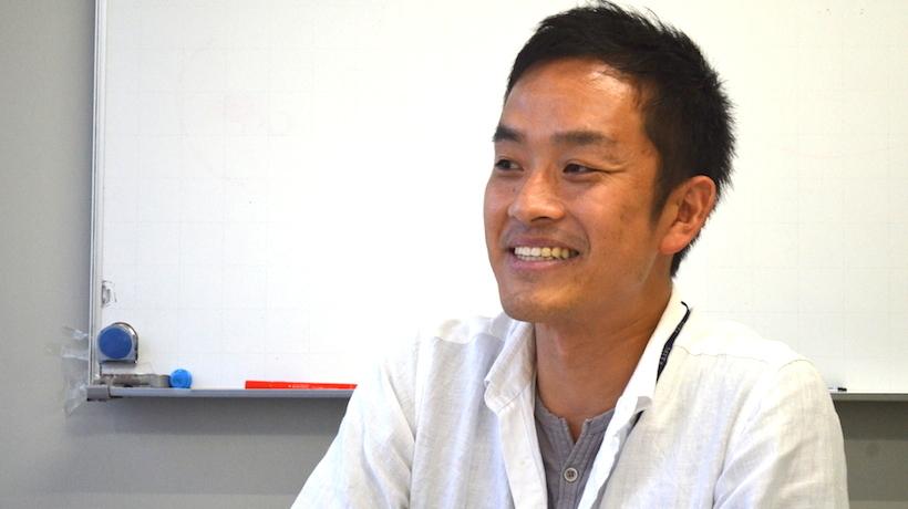 r-lib | 斉藤 勇城 × r-lib編集部 れみ 声なき声を届ける使命